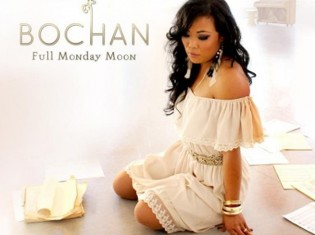 Bochan Huy - Full Monday Moon